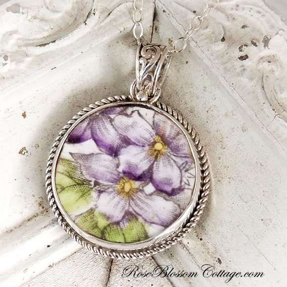 Violets Vintage Broken China Jewelry Round Rope Edge Pendant Necklace