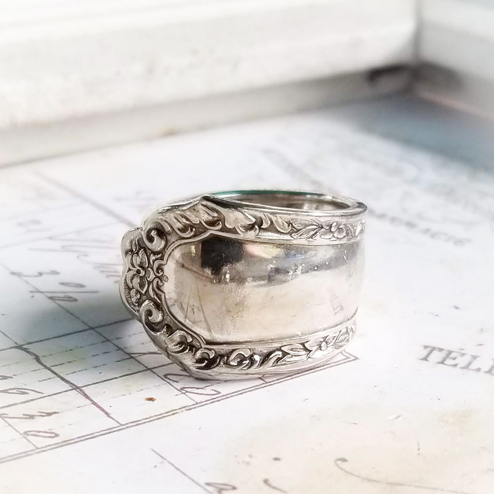 Spoon Ring Ornate Scroll Frame Edge ... One Only!