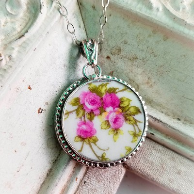 Pink Roses Austrian Vintage Broken China Jewelry Beaded Round Pendant Necklace
