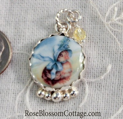 Sweet Bonnet Chick Easter Charm