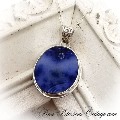 Antique Flow Blue Oval Alfred Meakin England Broken China Jewelry Pendant Necklace