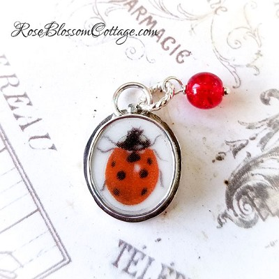 BESTSELLER  Ladybug Petite Broken China Jewelry Charm