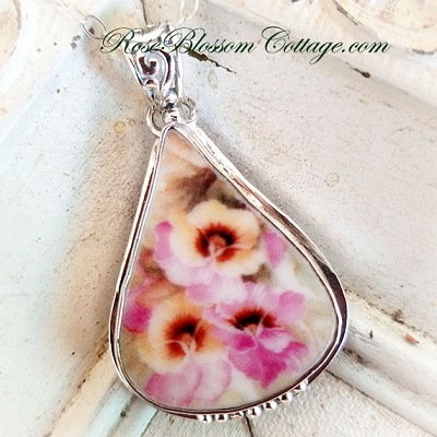Pansy Broken China Jewelry Triangle Teardrop Pansies Pendant Necklace