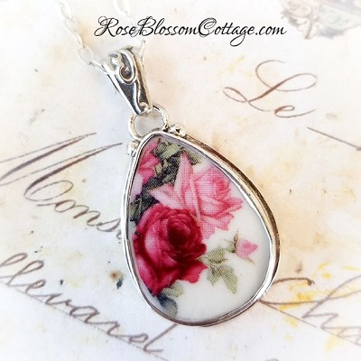 Teardrop Roses Shades of Pink Pendant Necklace