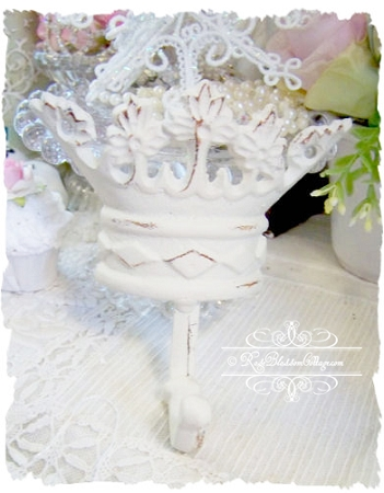 Tiara Crown Cast Iron Hanger