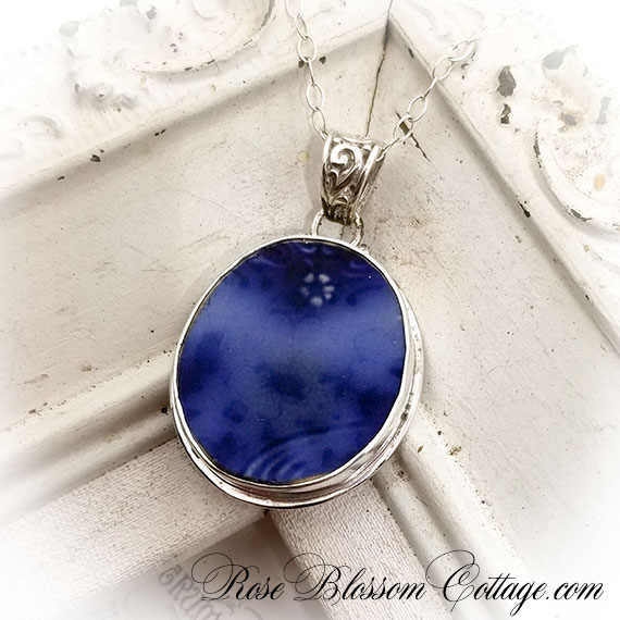 Broken China Jewelry Wedgwood Flo Flow Blue Sterling Silver Pendant