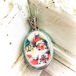 Christmas Happy Pink Santa Oval Beaded Broken China Jewelry Pendant Necklace